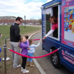kids getting icecream